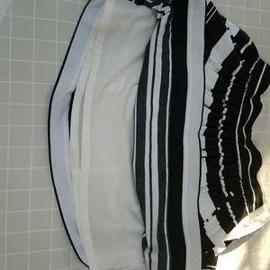 Banana Republic Skirts - Banana Republic Size 2P Black and White Skirt